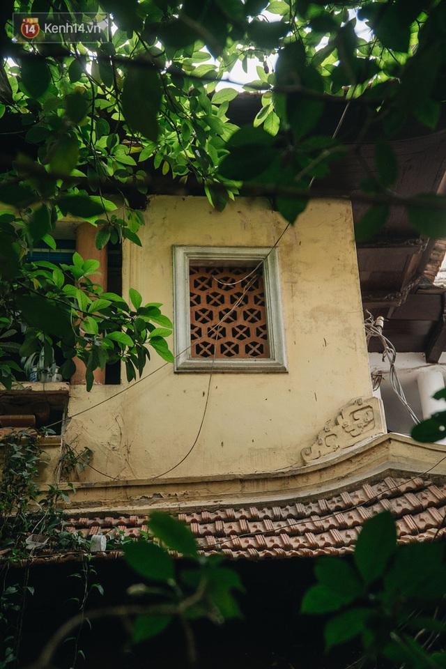 Ngôi nhà 80 năm tuổi, rộng gần 300m2 giữa phố cổ Hà Nội: Trả trăm tỷ không bán, bên trong có hầm chứa được 20 người - Ảnh 14.