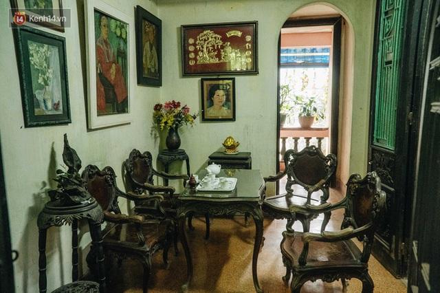 Ngôi nhà 80 năm tuổi, rộng gần 300m2 giữa phố cổ Hà Nội: Trả trăm tỷ không bán, bên trong có hầm chứa được 20 người - Ảnh 22.