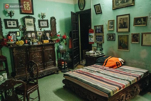 Ngôi nhà 80 năm tuổi, rộng gần 300m2 giữa phố cổ Hà Nội: Trả trăm tỷ không bán, bên trong có hầm chứa được 20 người - Ảnh 25.