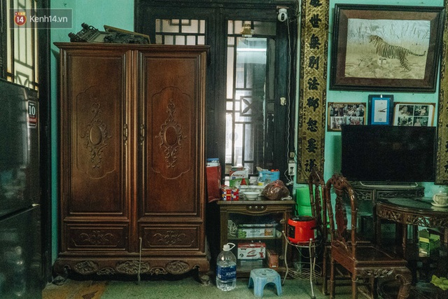 Ngôi nhà 80 năm tuổi, rộng gần 300m2 giữa phố cổ Hà Nội: Trả trăm tỷ không bán, bên trong có hầm chứa được 20 người - Ảnh 27.