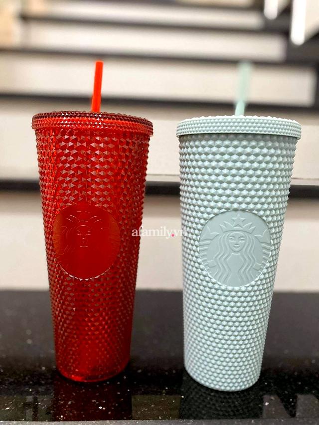 Ngã ngửa vì hiện tượng đầu cơ ly Starbucks, giá tăng chóng mặt một cách khó hiểu đến mức mua 1 triệu - bán lại tận 20 TRIỆU cho 2 CHIẾC LY BẰNG NHỰA cũng cháy hàng! - Ảnh 4.