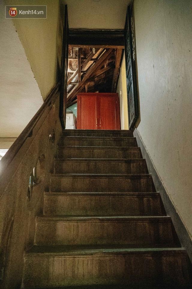 Ngôi nhà 80 năm tuổi, rộng gần 300m2 giữa phố cổ Hà Nội: Trả trăm tỷ không bán, bên trong có hầm chứa được 20 người - Ảnh 33.