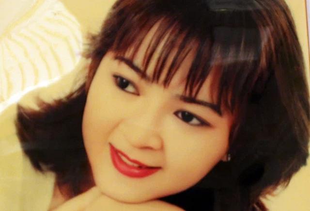 Lộ bức ảnh siêu hiếm thời trẻ của nữ đại gia Nguyễn Phương Hằng - Ảnh 1.