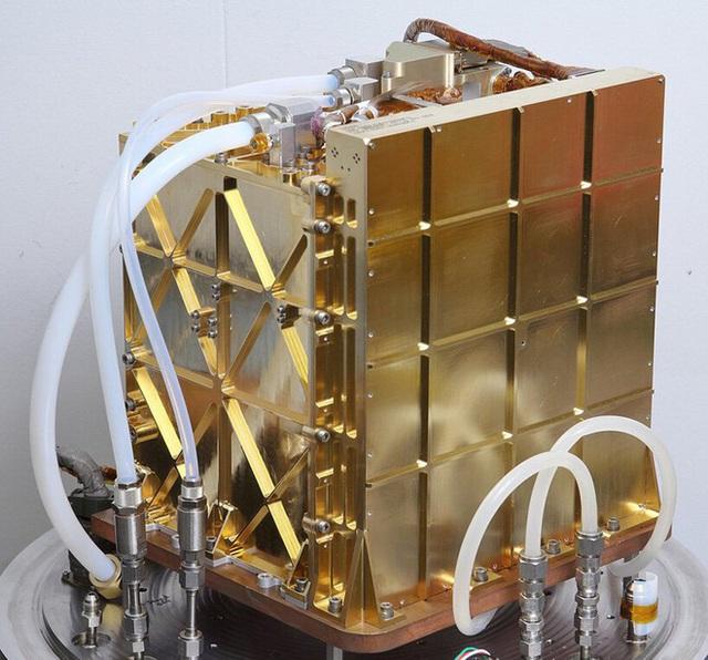 NASA khuấy đảo Hành tinh Đỏ: Không chỉ tạo ra 5,4 gram oxy quý hiếm, trực thăng sao Hỏa Ingenuity còn bay cao kỷ lục trong lần thứ ba! - Ảnh 3.