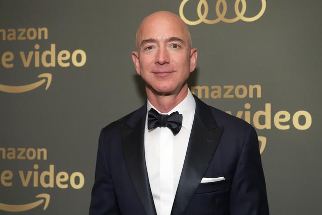 9 sự thật kinh ngạc về sự giàu có của Jeff Bezos, người đàn ông giàu nhất thế giới: Người ta kiếm triệu đô mất cả đời hoặc vài đời, còn Jeff chỉ mất chưa đầy 15 phút - Ảnh 3.