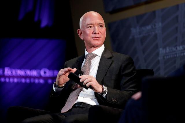 9 sự thật kinh ngạc về sự giàu có của Jeff Bezos, người đàn ông giàu nhất thế giới: Người ta kiếm triệu đô mất cả đời hoặc vài đời, còn Jeff chỉ mất chưa đầy 15 phút - Ảnh 1.