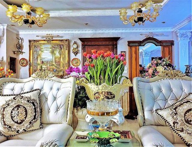 Gia tài Nathan Lee - Ngọc Trinh: Bên có từ villa Beverly Hills 12.000m2 đến bạch dinh 600 tỷ, bên yêu nữ đồ hiệu nức tiếng Vbiz - Ảnh 14.