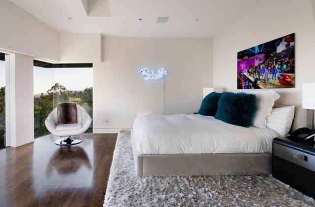 Gia tài Nathan Lee - Ngọc Trinh: Bên có từ villa Beverly Hills 12.000m2 đến bạch dinh 600 tỷ, bên yêu nữ đồ hiệu nức tiếng Vbiz - Ảnh 10.
