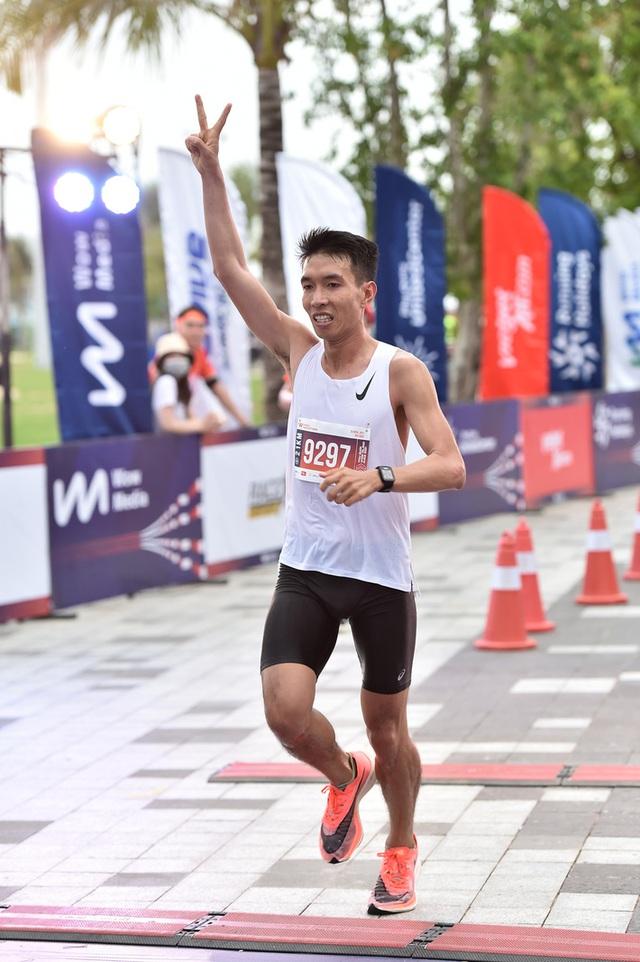 Cặp đôi nhà vô địch ở giải chạy Phu Quoc WOW Island Race 2021: Cung đường đạt 9/10 về độ đẹp, còn độ lãng mạn phải 11/10 - Ảnh 1.