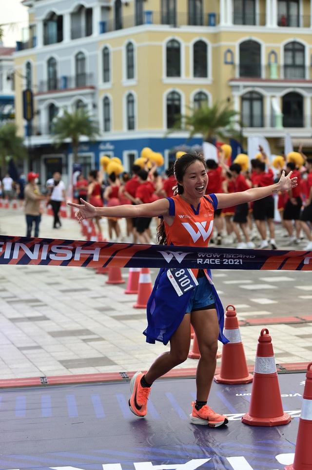 Cặp đôi nhà vô địch ở giải chạy Phu Quoc WOW Island Race 2021: Cung đường đạt 9/10 về độ đẹp, còn độ lãng mạn phải 11/10 - Ảnh 4.
