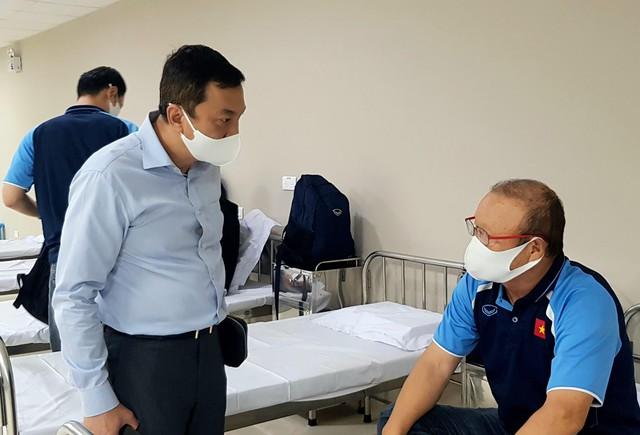 Hình ảnh đầu tiên HLV Park Hang Seo sau khi tiêm vắc xin COVID-19 - Ảnh 2.