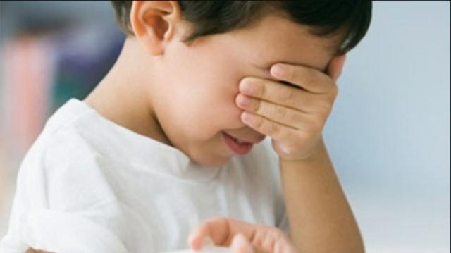 Tình trạng trẻ dậy thì sớm tăng gấp 35 lần so với 10 năm trước: Cảnh báo dấu hiệu dậy thì sớm ở bé trai mà bố mẹ Việt dễ bỏ qua - Ảnh 1.