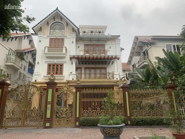 Cận cảnh khu biệt thự ma ở Hà Nội: Xuống cấp trầm trọng sau 10 năm bỏ hoang nhưng vẫn hét giá trên trời, đứng trước nguy cơ thu hồi vì CĐT nợ thuế nghìn tỷ - Ảnh 5.