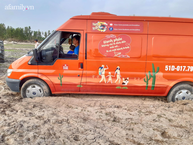 Cặp vợ chồng chịu chơi nhất Việt Nam: Cải tạo ô tô cũ thành nhà đưa con 8 tháng đi phượt từ Bắc chí Nam, quan điểm dạy con càng đáng ngưỡng mộ - Ảnh 5.