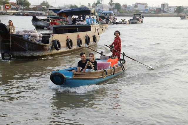 Về chợ nổi Cái Răng ăn bún di động trên sông, vừa được karaoke khuyến mãi: Hát hay hơn chủ là khỏi trả tiền - Ảnh 16.