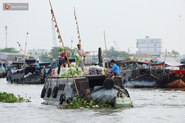 Về chợ nổi Cái Răng ăn bún di động trên sông, vừa được karaoke khuyến mãi: Hát hay hơn chủ là khỏi trả tiền - Ảnh 19.