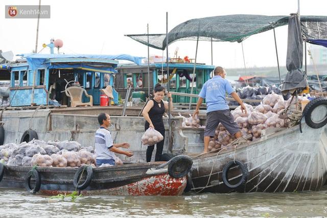 Về chợ nổi Cái Răng ăn bún di động trên sông, vừa được karaoke khuyến mãi: Hát hay hơn chủ là khỏi trả tiền - Ảnh 21.