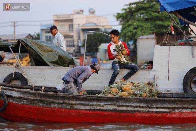 Về chợ nổi Cái Răng ăn bún di động trên sông, vừa được karaoke khuyến mãi: Hát hay hơn chủ là khỏi trả tiền - Ảnh 23.