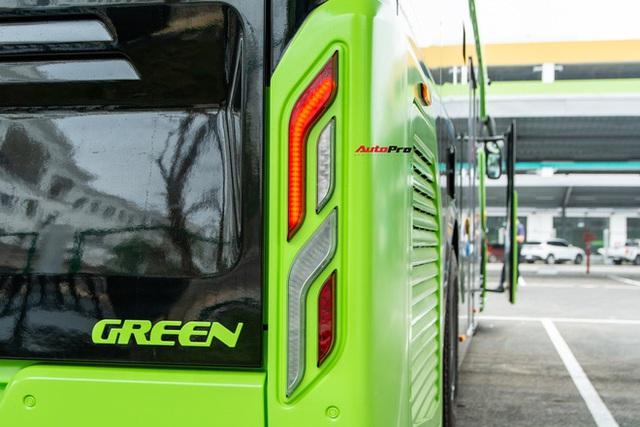 Nhiều tính năng thông minh, tự nâng/hạ gầm, WiFi miễn phí, giá như buýt thường - Ảnh 3.