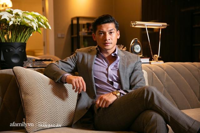"""Yves Huy Phan – CEO 30 tuổi làm chủ đế chế nội thất xa xỉ tiết lộ quá trình """"làm giàu"""" và bí mật mối tình đồng giới với nhà thiết kế nổi tiếng nhất Việt Nam - Ảnh 1."""