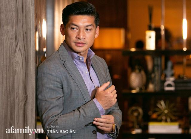 """Yves Huy Phan – CEO 30 tuổi làm chủ đế chế nội thất xa xỉ tiết lộ quá trình """"làm giàu"""" và bí mật mối tình đồng giới với nhà thiết kế nổi tiếng nhất Việt Nam - Ảnh 11."""