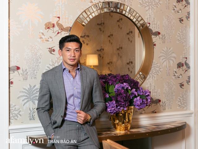 """Yves Huy Phan – CEO 30 tuổi làm chủ đế chế nội thất xa xỉ tiết lộ quá trình """"làm giàu"""" và bí mật mối tình đồng giới với nhà thiết kế nổi tiếng nhất Việt Nam - Ảnh 15."""