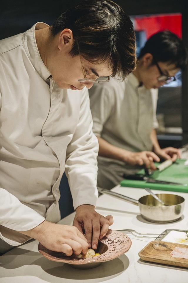 Bếp trưởng nhà hàng Hà Nội lọt top 100 châu Á: Bỏ sự nghiệp nước ngoài, về nước với công thức thành công chỉ sau 2 năm - Ảnh 17.