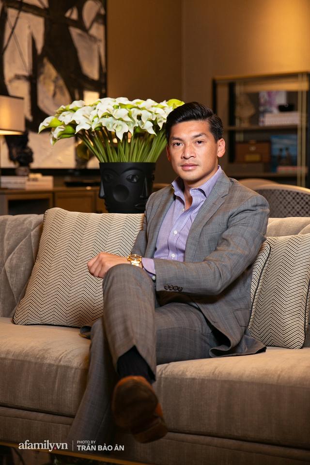 """Yves Huy Phan – CEO 30 tuổi làm chủ đế chế nội thất xa xỉ tiết lộ quá trình """"làm giàu"""" và bí mật mối tình đồng giới với nhà thiết kế nổi tiếng nhất Việt Nam - Ảnh 5."""