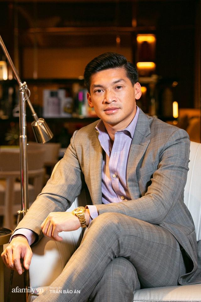 """Yves Huy Phan – CEO 30 tuổi làm chủ đế chế nội thất xa xỉ tiết lộ quá trình """"làm giàu"""" và bí mật mối tình đồng giới với nhà thiết kế nổi tiếng nhất Việt Nam - Ảnh 6."""