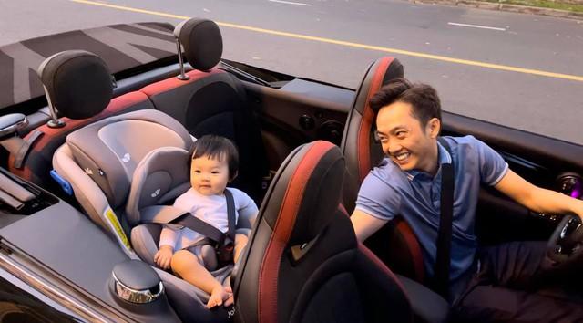 """Cuộc sống """"bỉm sữa"""" của Cường Đô La và Đàm Thu Trang: Từ tay chơi """"siêu xe"""" có tiếng đến ông bố """"quần đùi, áo phông"""" chăm con thay vợ - Ảnh 8."""