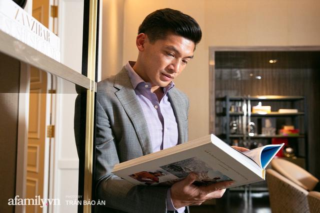 """Yves Huy Phan – CEO 30 tuổi làm chủ đế chế nội thất xa xỉ tiết lộ quá trình """"làm giàu"""" và bí mật mối tình đồng giới với nhà thiết kế nổi tiếng nhất Việt Nam - Ảnh 9."""