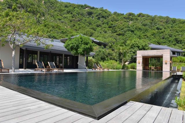 Điểm danh 6 resort đắt đỏ nhất Việt Nam, 1 đêm nghỉ lên cả trăm triệu, bằng người khác cày cuốc cả năm - Ảnh 1.