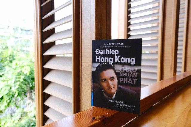 Chuyện tình nức nở của ngôi sao Hồng Kông Châu Nhuận Phát và cô tiểu thư Singapore: Đôi đũa lệch', đám cưới vỏn vẹn 15 USD và cuộc hôn nhân lạ lùng suốt 35 năm - Ảnh 2.