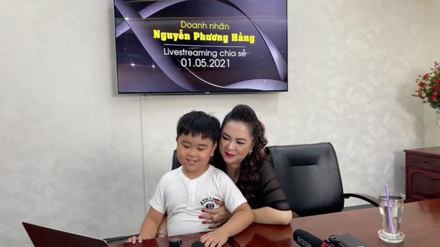 Vợ ông Dũng lò vôi cho cậu con trai 9 tuổi mệnh danh là tỷ phú nhỏ tuổi nhất Việt Nam lên sóng nêu cảm nhận về ông Võ Hoàng Yên!? - Ảnh 2.