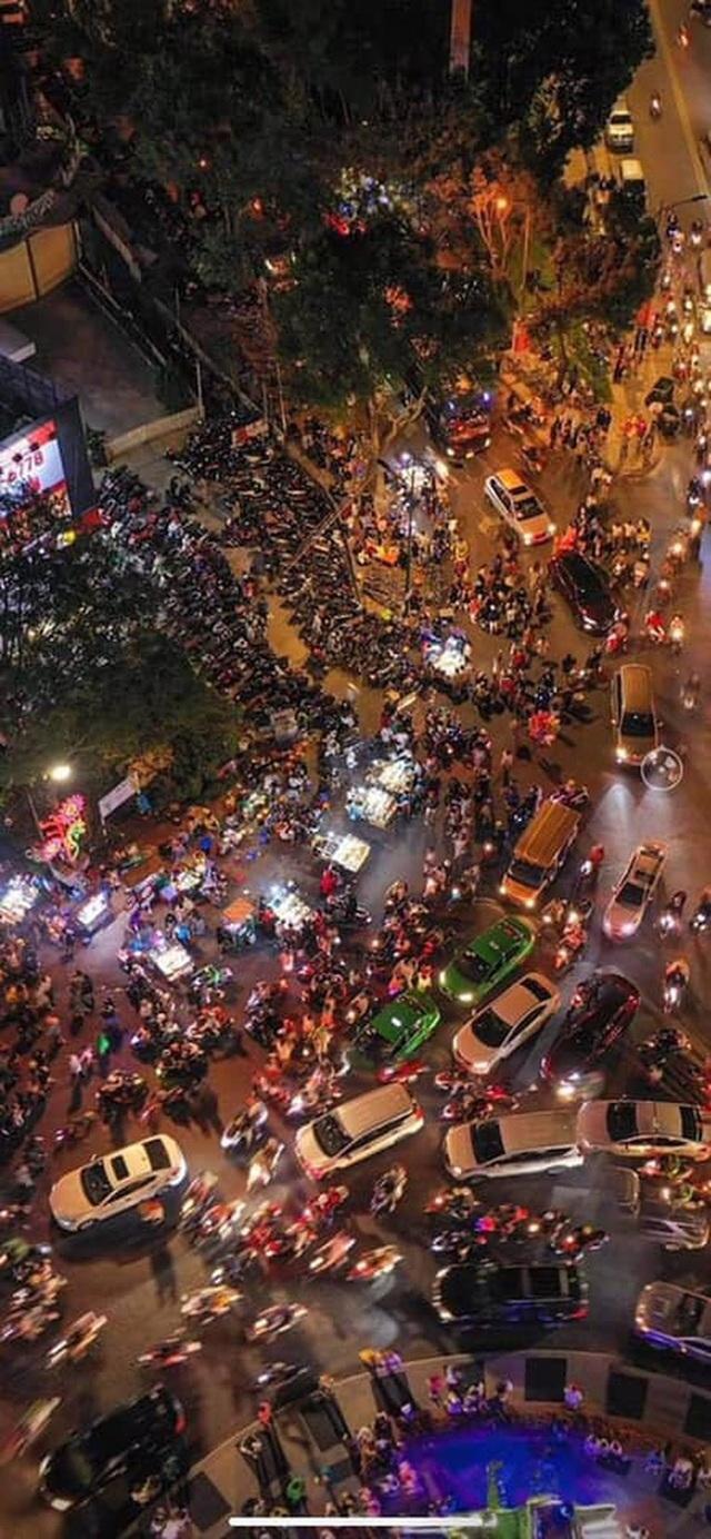Kẹt xe kỷ lục trên đường tới Đà Lạt: Khách đặt ăn sáng mà tới 19h vẫn chưa xuất hiện - Ảnh 6.