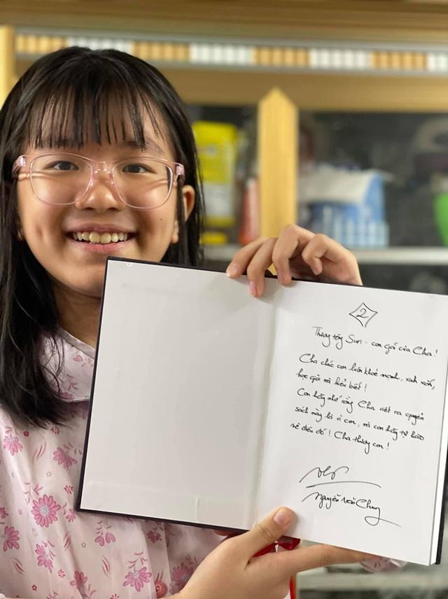 Nhạc sĩ vừa công khai chê bà Phương Hằng thô tục, vô văn hoá: Là ông bố đơn thân kỳ lạ được ngưỡng mộ vì cách dạy con - Ảnh 2.