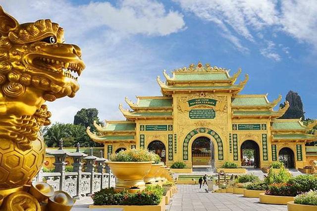 """Bà Phương Hằng - vợ ông Dũng """"lò vôi"""" hôm nay tuyên bố cực gắt: Cấm cửa giới nghệ sĩ đến khu du lịch Đại Nam"""" - Ảnh 2."""