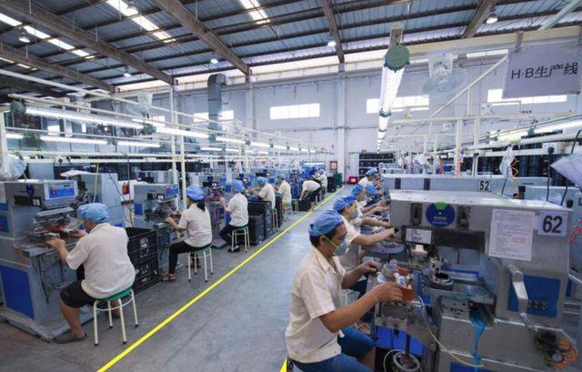 Bloomberg: Chi phí sản xuất tại Trung Quốc tăng giá báo hiệu làn sóng lạm phát trên toàn cầu sau đại dịch Covid-19? - Ảnh 1.
