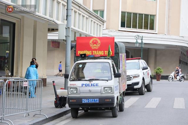 Đôi vợ chồng ở quận Thanh Xuân dương tính SARS-CoV-2: Từng du lịch Đà Nẵng, khám ở BV Hữu Nghị, chơi golf, dự đại hội cổ đông và rất nhiều cuộc họp - Ảnh 6.