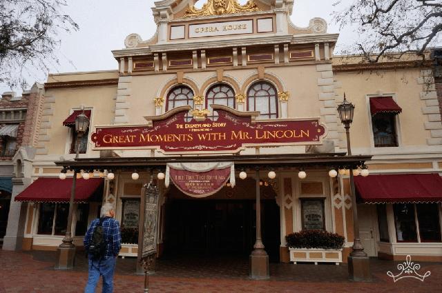14 bí mật siêu thú vị về những điểm tham quan nổi tiếng nhất của Disneyland - Ảnh 5.