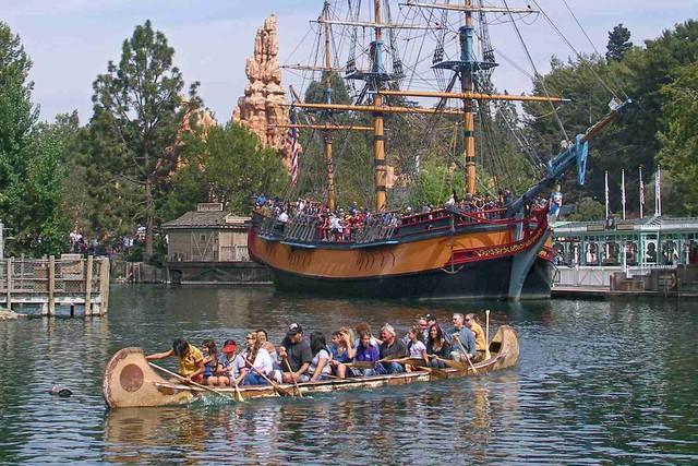 14 bí mật siêu thú vị về những điểm tham quan nổi tiếng nhất của Disneyland - Ảnh 3.