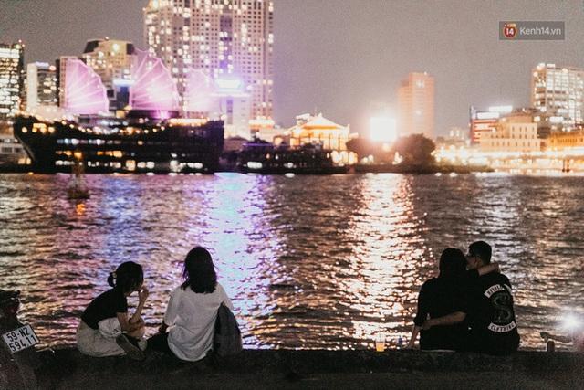5 điểm tụ tập nổi tiếng của giới trẻ Sài Gòn giờ ra sao giữa mùa dịch: Nơi vắng lặng hơn hẳn, chỗ vẫn tấp nập như thường - Ảnh 18.