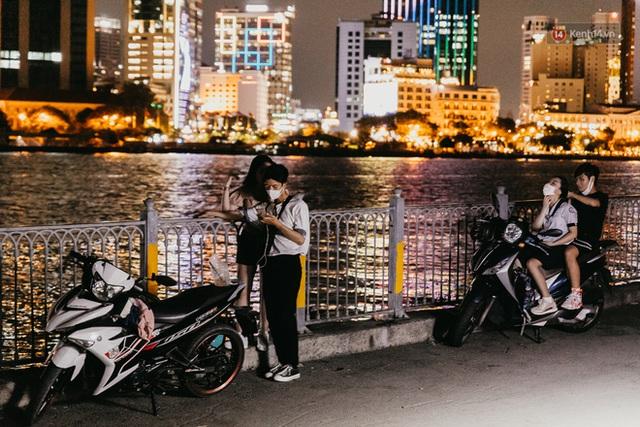 5 điểm tụ tập nổi tiếng của giới trẻ Sài Gòn giờ ra sao giữa mùa dịch: Nơi vắng lặng hơn hẳn, chỗ vẫn tấp nập như thường - Ảnh 19.