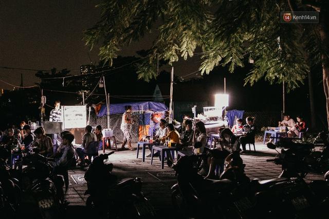 5 điểm tụ tập nổi tiếng của giới trẻ Sài Gòn giờ ra sao giữa mùa dịch: Nơi vắng lặng hơn hẳn, chỗ vẫn tấp nập như thường - Ảnh 21.