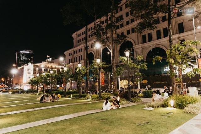 5 điểm tụ tập nổi tiếng của giới trẻ Sài Gòn giờ ra sao giữa mùa dịch: Nơi vắng lặng hơn hẳn, chỗ vẫn tấp nập như thường - Ảnh 25.