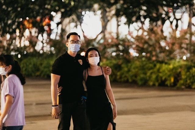 5 điểm tụ tập nổi tiếng của giới trẻ Sài Gòn giờ ra sao giữa mùa dịch: Nơi vắng lặng hơn hẳn, chỗ vẫn tấp nập như thường - Ảnh 33.