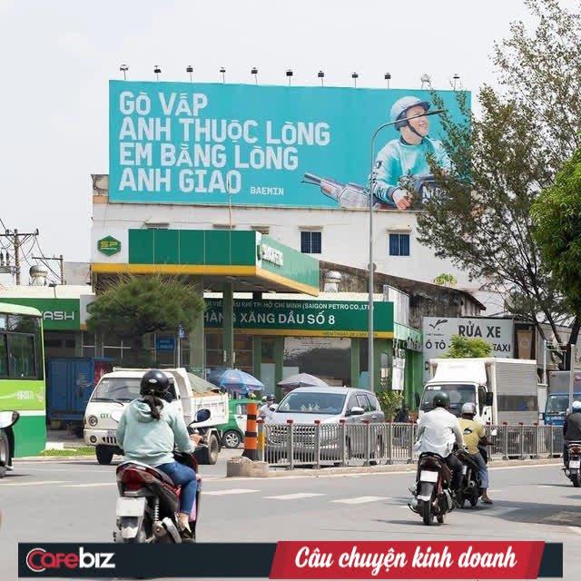 """Tặng mỗi quận một câu """"thơ"""", quảng cáo ngoài trời của Baemin khiến dân mạng cảm thán: Chơi vậy sao Grab, Gojek chơi lại! - Ảnh 1."""