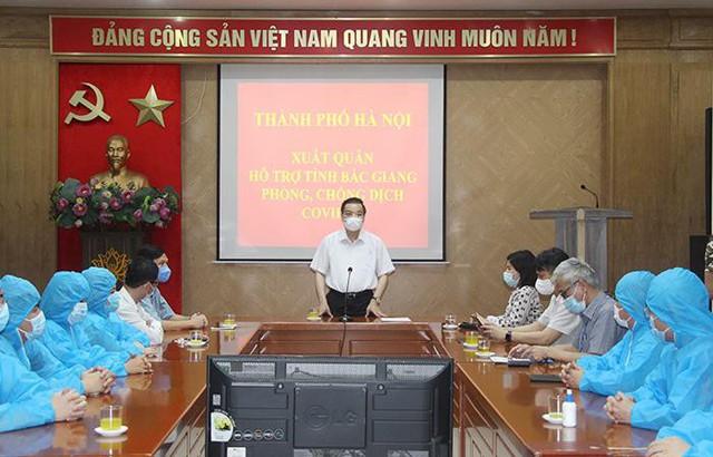 Chủ tịch Hà Nội nhắn nhủ đội đặc nhiệm Thủ đô đi Bắc Giang hỗ trợ chống dịch  - Ảnh 1.