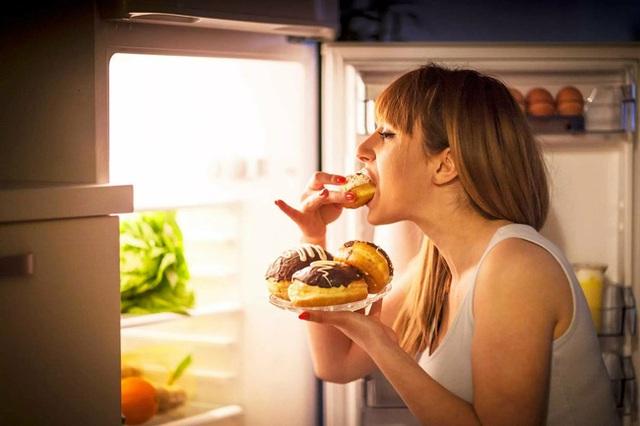 Chia sẻ của nữ diễn viên người Mỹ khi phải vật lộn với chứng rối loạn ăn uống mỗi ngày - Ảnh 2.