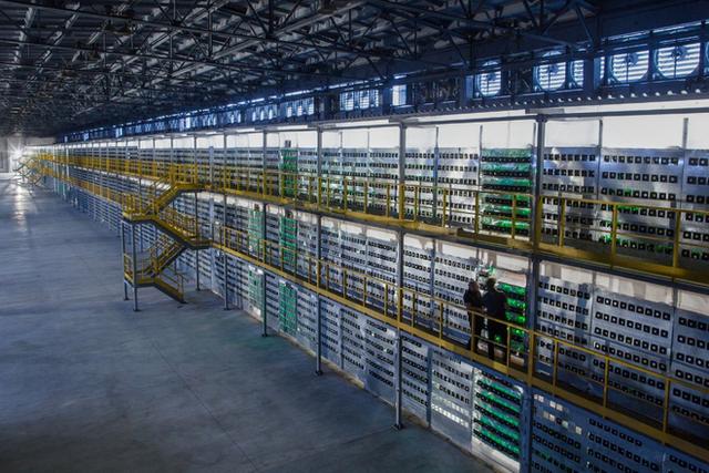 Tuyên bố mới của cộng đồng khai thác bitcoin: Chúng tôi dùng ít năng lượng hơn ngành ngân hàng truyền thống - Ảnh 2.